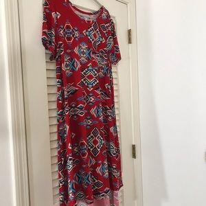 Bright, cheery red  print XL Carly!